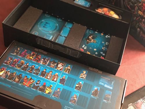 BATMAN-MONOLITH-OPEN-THE-BOX-2