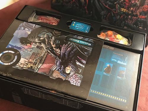 BATMAN-MONOLITH-OPEN-THE-BOX-3