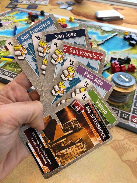 aftershock jeu de societe ludovox cartes
