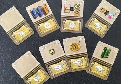 Les cartes Action, moteur du jeu. Leur bonus en haut, leur effet principal en bas.