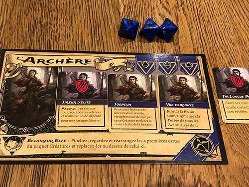 Grâce à Torpeur, l'archère va pouvoir utiliser son petit 1 pour récupérer le dé volé par un vampire. Il partira en fin de rangée et la prochaine fois qu'il se pointera, on l'attendra au tournant...