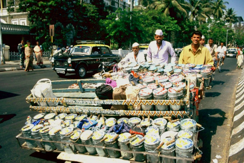 dabbawallah_3_men_cart