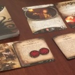 arkham-horror-jeu-de-societe-cartes-closeup