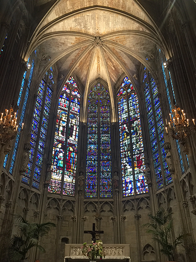 sagrada-carcassonne-eglise